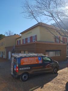 extension bois et toiture tuiles béton