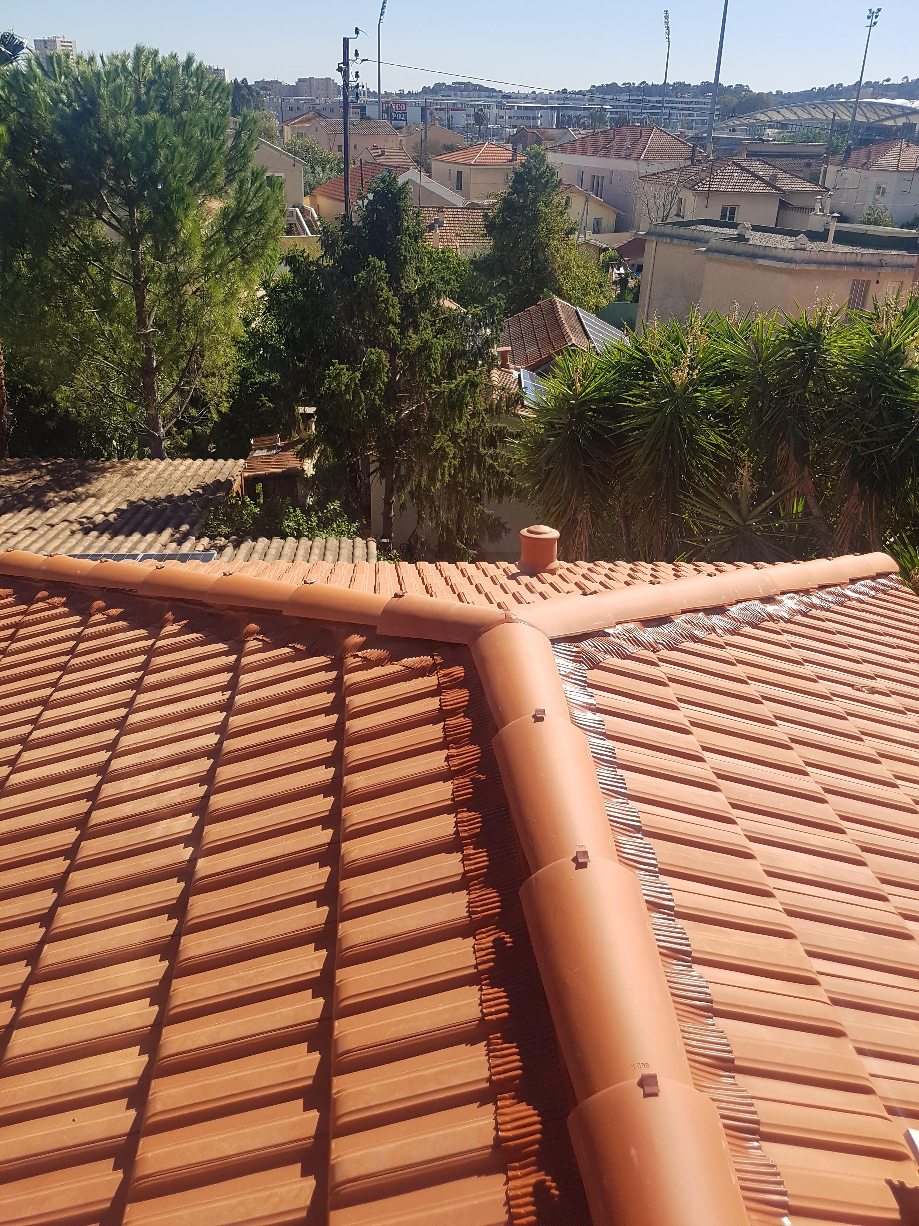faitage et arêtier sur toit 4 pentes